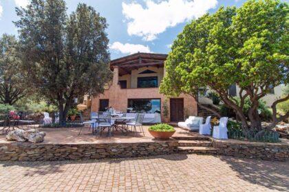 Villa with seaview and 5 ha plot, 08020 Siniscola (Italy), Villa